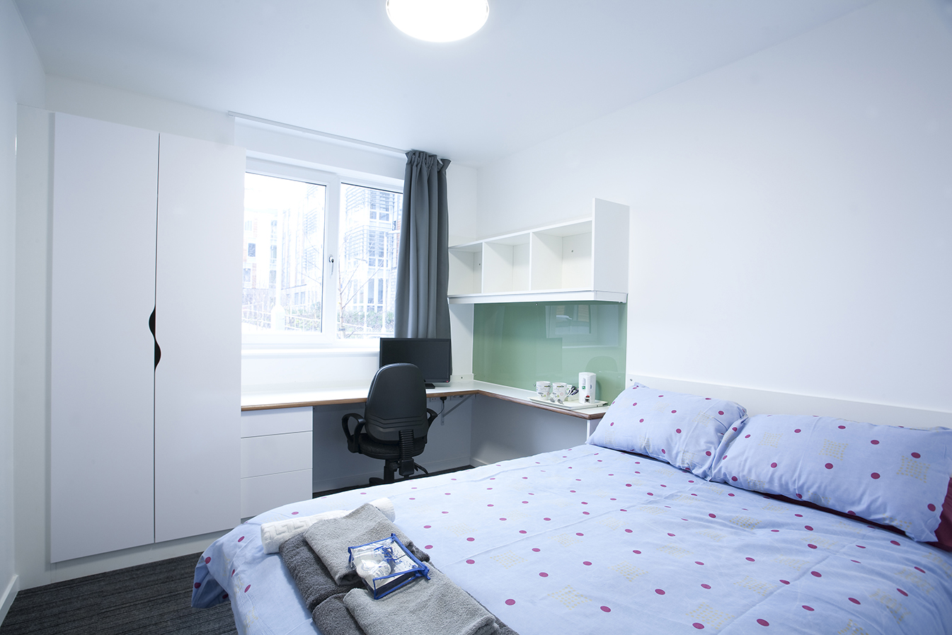 Turing Flats - Extra Large En-suite Room
