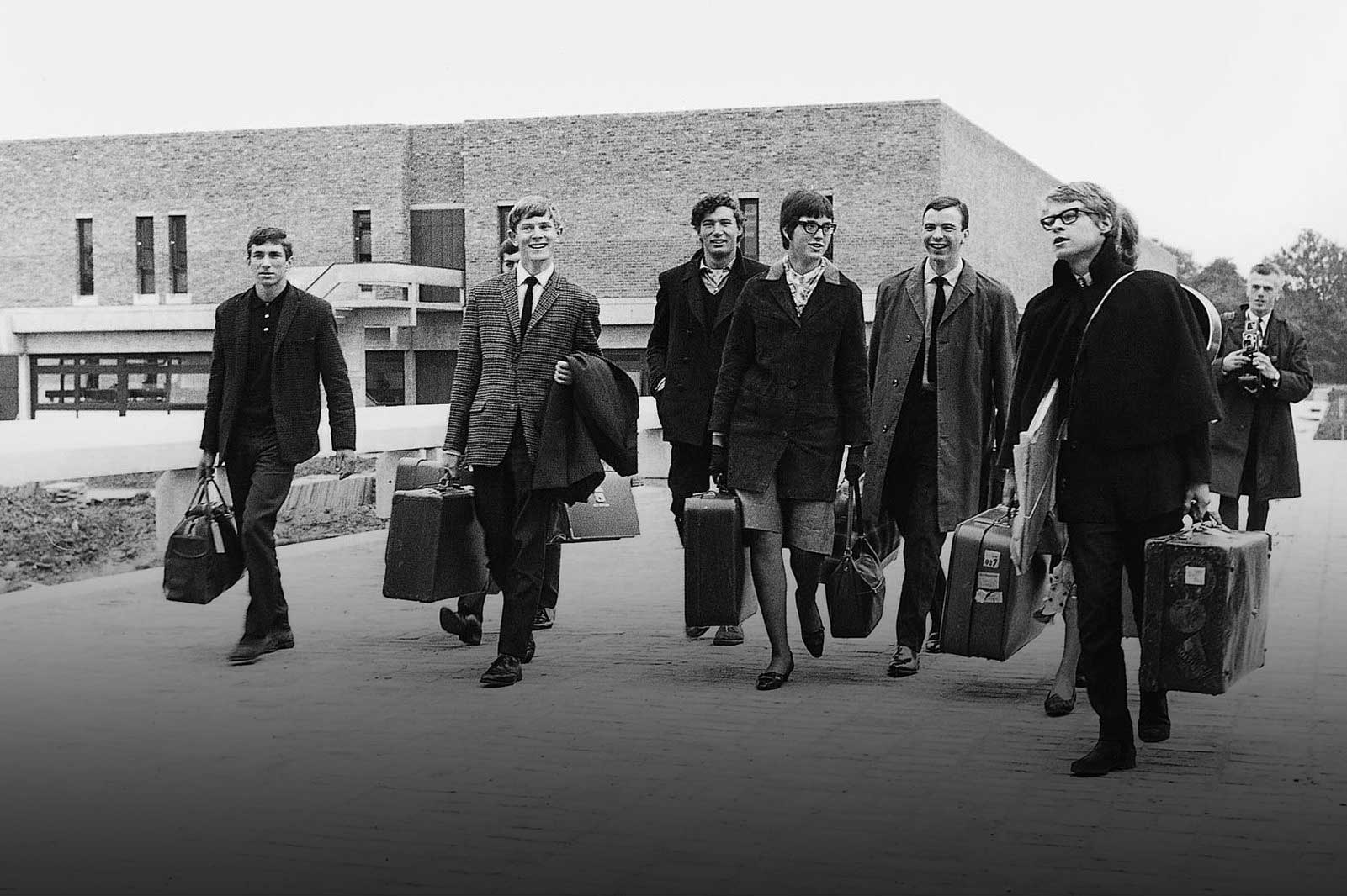 First students arriving on campus in 1965